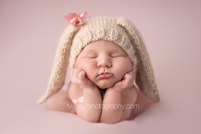 Adorable 2 week old baby girl north jersey bergen county newborn photographer bay area family photographer two leaf photography